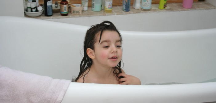 How to Help Your Toddler Overcome Their Fear of the Bath